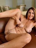 peach pussy getting fucked